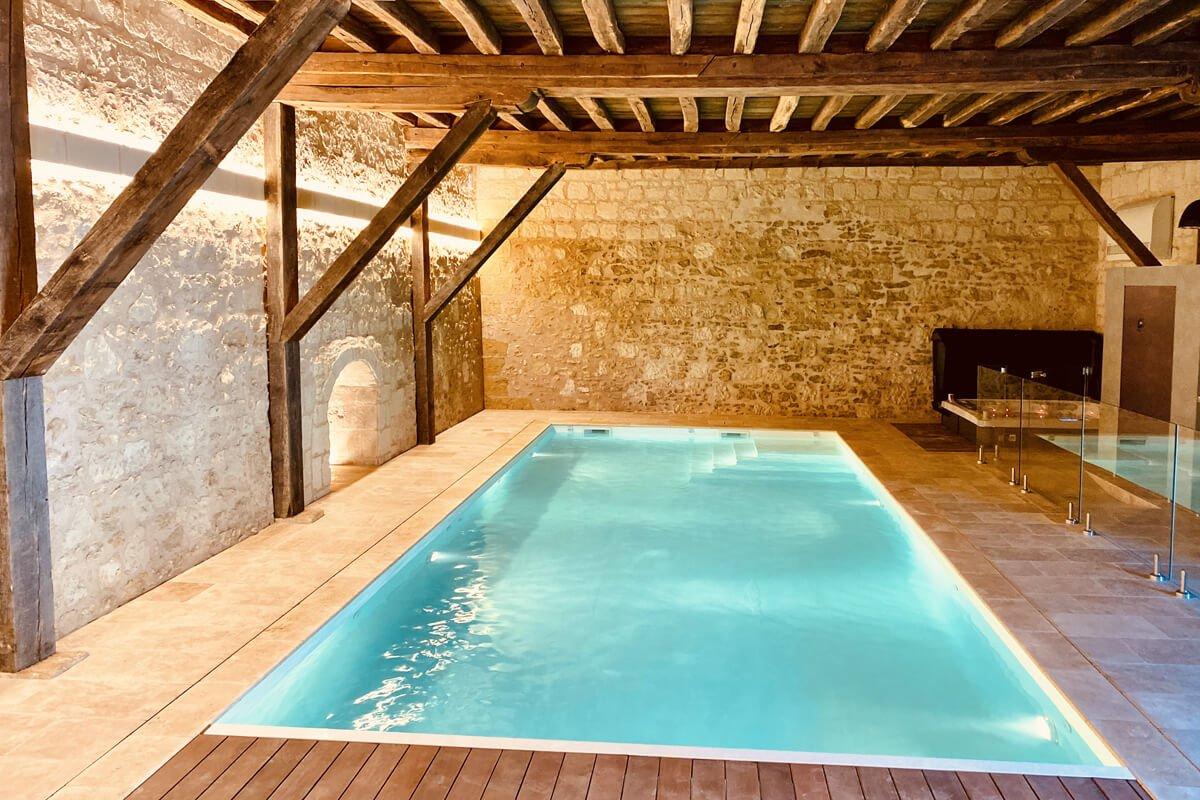 Piscine avec Spa & Sauna